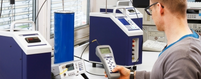 Temperature dry well calibrator