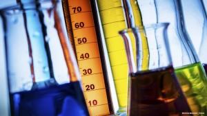 Avantages des manomètres à membrane : Solution pour les fluides critiques